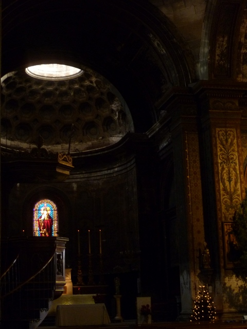 san remy church interior